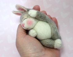 Needle Felted Animal Wool BUNNY Class in PDF files par barby303, $45.00  Borderlinx will ship it to you!