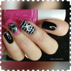 Happy Halloween! I've been wanting to do a sugar skull mani for a while so I thought I better get on with it before Halloween is over! Hope you like it!! Products used: nailsinc Black Magic essie Mod Squad @pretty.perfect.polish Sunny Skies Nail Fun Stamping polish @itsy_nails City Girl Celestial Snow unicorn @uberchicbeauty Halloween 02 & Out of Africa 01 @faburnails Jumbo stamper  @whatsupnails Watermarble tool for filling in the details @mitty_burns Brush