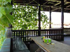CASE ROMÂNEȘTI la comandă - arh. Liliana Chiaburu Traditional House, Outdoor Furniture, Outdoor Decor, Sunroom, Countryside, Exterior, Interior Design, Architecture, Beautiful