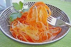 Pikanter Karottensalat mit Glasnudeln