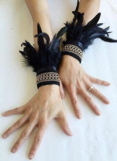 Gothic Black Feather Wrist Cuffs Victorian Burlesque Fantasy feathers costume Halloween - Fashion Show Fantasy Costumes, Dance Costumes, Burlesque Costumes, 1920s Costume, Bird Costume, Costume Halloween, Gothic Halloween, Raven Costume, Halloween Costumes For Girls