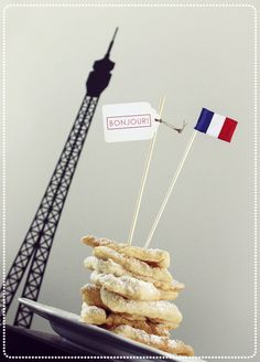 Cake Flag Set in French Kiss.