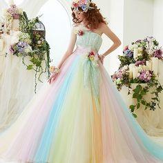 結婚式したい…笑 本当シンデレラに、感化されちゃった(*´◒`*) 彼は淡いカラードレスがお好みなようです✨レインボードレス素敵 予定はまだまだ先だけど、妄想するだけならタダだよね☺️ . #ウェディング #カラードレス #レインボードレス #ドレス