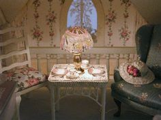 Pat's miniatures - Victorian Gothic Cottage