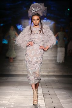Held at the Dubai Design District, Maymay opens Arab Fashion Week as the muse for Amato Couture of celebrated Dubai-based designer Furne One. Arab Fashion, Dubai Fashion, Live Fashion, London Fashion, Runway Fashion, Fashion News, Fashion Show, Fashion Trends, Fashion Beauty