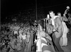 Warren Smith on stage, Mississippi, 1958