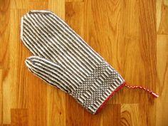 Billedresultat for tvibandstrikk Knit Mittens, Mitten Gloves, Knitting Projects, Knitting Patterns, Knitting Ideas, Yarn Needle, Twine, Knit Crochet, Ravelry