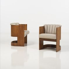 Vladimir Kagan (born 1927)  Pair of armchairs  Wood and textile  Creation date: 1960  H 73 × W × D 57 cm 57