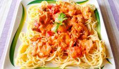 Tejszínes-paradicsomos spagetti csirkehússal Spagetti, Ethnic Recipes, Food, Eten, Meals, Diet