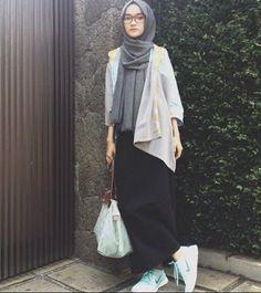 Ideas For Style Hijab Casual Muslim Syari Islamic Fashion, Muslim Fashion, Modest Fashion, Trendy Fashion, Womens Fashion, Nike Fashion, Fashion Fashion, Hijab Casual, Hijab Chic