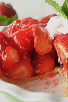 sliced strawberry pie by Salad in a Jar, via Flickr