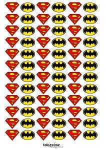 Superhero-flags/decor for minicupackes superhero party. Free printable!  mini cupcakewrappere skilt gratis print =)