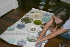 Plate Wall Tutorial - DIY Show Off ™ - DIY Decorating and Home Improvement Blog