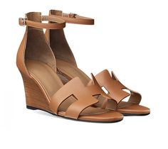 """Legend Hermes ladies' sandal in calfskin with palladium plated buckle, leather sole, 3"""" stacked heel in rosewood leather Color : palissander"""