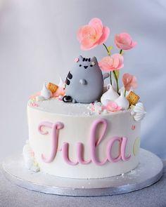 Tort z kotkiem Pusheen Pusheen Birthday, Birthday Cake For Cat, 6th Birthday Cakes, Beautiful Cakes, Amazing Cakes, Pusheen Cakes, Anime Cake, Japanese Party, Baby Girl Cakes