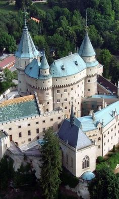 "Bojnice Castle - the ""fairy-tale"" Bojnický zámok is one of the most visited and most beautiful castles in Slovakia Places Around The World, The Places Youll Go, Places To Visit, Around The Worlds, Beautiful Castles, Beautiful Buildings, Beautiful Places, Wonderful Places, Amazing Places"