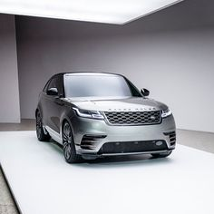 403 вподобань, 2 коментарів – Land Rover Japan (@landroverjpn) в Instagram: «モダニズムとエレガンスを表現した #レンジローバー #ヴェラール。車体にあるはずの突起物をなくすことで空間との一体感が生まれる。#LandRover #RangeRover #Velar…»