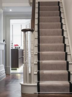 I like the stair runner with the decorative hardware Cleeves House - traditional - staircase - London - by Alexander James Interiors Style At Home, Victorian Hallway, Decoration Shabby, Flooring For Stairs, Parquet Flooring, Traditional Staircase, Painted Stairs, Wooden Stairs, Carpet Stairs
