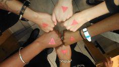 #SignofLove  www.allout.org/signoflove