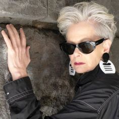 For Women who Live Interesting but Ordinary Lives - Accidental Icon Wears Vintage Black Nylon Dress/Sarouel with White Stitching: Issey Miyake, Vintag - Short Grey Hair, Short Hair Cuts, Accidental Icon, Homecoming Hairstyles, Ageless Beauty, Short Styles, Great Hair, Silver Hair, White Hair