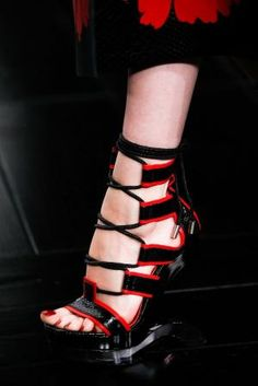 Alexander McQueen Spring 2015 Ready-to-Wear - Details - Gallery - Style.com by carter flynn