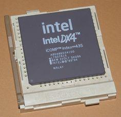 El micro de mi primer ordenador, año 1995. Como pasan los años.