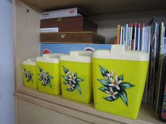 Cute vintage cannisters in lime green!