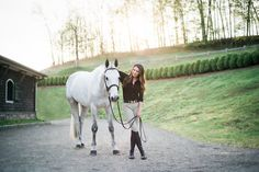 Horse And Human, My Horse, Horse Riding, Pictures With Horses, Horse Photos, Horse Girl Photography, Equine Photography, Graduation Pictures, Senior Pictures