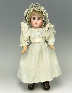 Beautiful-14-034-Sonneberg-German-Bisque-806-Closed-Mouth-Doll