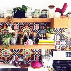 KITCHEN LOVE // this is just the prettiest. I could play here all day (RG @justinablakeney) #kitchendecor #thejungalow