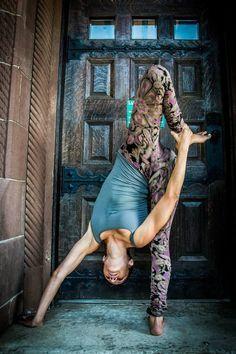 standing splits variation #yoga