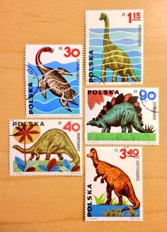 Enchanted by these Polish dinosaur stamps designed by Andrzej Heidrich in 1965 pic.twitter.com/jjsuUO6Ai2