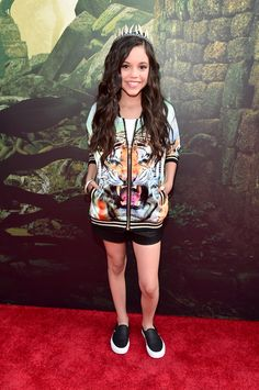 Fashion moments from The Jungle Book premiere red carpet | Jenna Ortega | [ https://style.disney.com/entertainment/2016/04/05/fashion-moments-from-the-jungle-book-premiere/#lupita%20nyongo ]
