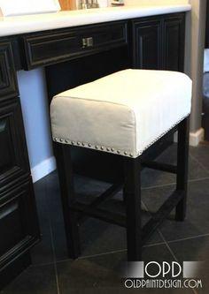 DIY Furniture / DIY Cheshire Vanity Stool - CotCozy