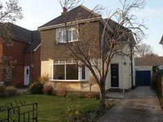 Woodlands Avenue, Emsworth per month, 3 bedroom detached. Property For Rent, Renting A House, Houses, Cabin, Bedroom, House Styles, Home Decor, Homes, Decoration Home