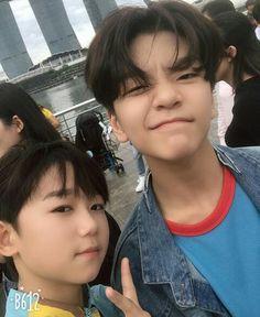 Take by shuyang ❤️❤️❤️at Singapore boy story Shuyang xinlong Asian Kids, Asian Men, K Pop, Asian Boy Band, Im Going Crazy, Things To Do With Boys, Cute Asian Guys, Boy Pictures, Young Boys