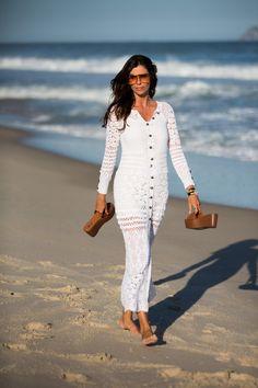 Christina Pitanguy: Rio de Janeiro, vestido Nk Store, sandália Arezzo, óculos Gucci. Foto: Denise Leão.