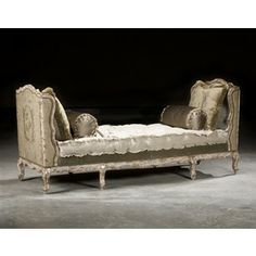French Country Style Daybed Settee High End Furnishings Upholstered Furniture