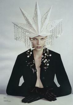 Epiphania Tush, August 2012 ph. Sayaka Maruyama model: Saara Sihvonen stylist: Haare & Kopfschmuck | Nuclear A-bomb