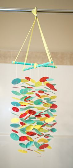 DIY Paper Mobile - tutorial - could use chopsticks at the top Diy And Crafts, Crafts For Kids, Arts And Crafts, Paper Crafts, Mobiles, Art Origami, Craft Projects, Projects To Try, Paper Mobile