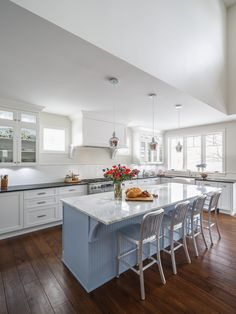 Tradtioanal White Kitchen Design Calacatta Marble Countertop Light Captivating Kitchen Designer Ottawa Review