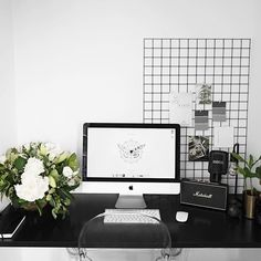 Love having flowers in my workspace PS I post lots of interior inspo and some of my own stuff on my Pinterest, username is just Rachel Aust on there too #Regram via @rachelaust