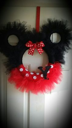 Mickey or Minnie Mouse Tulle Wreath in Red and Black - wreath Theme Mickey, Mickey Party, Minnie Mouse Party, Mickey Mouse Wreath, Disney Wreath, Disney Diy, Disney Crafts, Holiday Wreaths, Holiday Crafts
