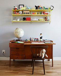 vintage children's desk / want the same for me !