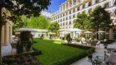 Hotel Bristol, Paris - Le grand jardin de l'hôtel -5 étoiles.