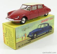 Simca Chambord vert//vert fonc/é 1958 1//43 IXO