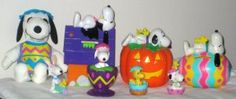 Snoopy Woodstock Easter Halloween Whitmans Banks PVC Egg Cup Dracula Jack-o-Lantern Peanuts Gang $25
