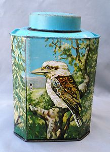 Vintage Bushels tea tin