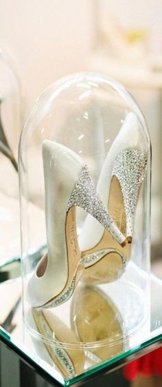 I want to have this on my get ready table or in my huge closet! My wedding shoes