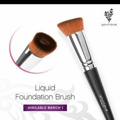 WHHAATT!!! Get this new #liquidfoundationbrush now! its perfect for all different types of applications! #youniqueproducts